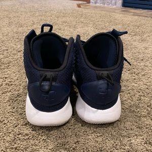 Nike Hyperdunk X Mid Men's shoes size 7.5